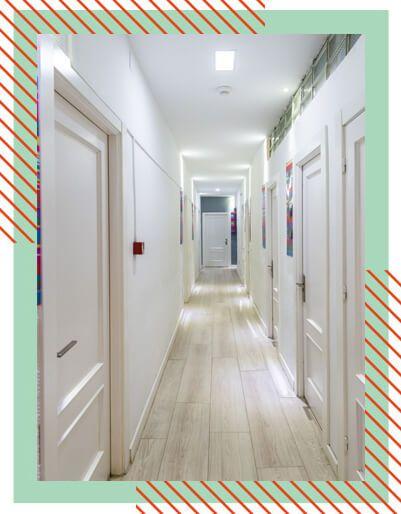 habitacion-albergue-pasillo